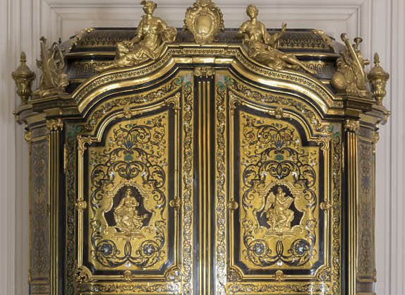 gold gilded door wood cupboard ornate ornament
